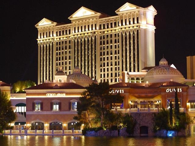 Caesars_Palace_Night